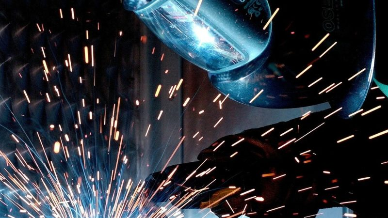 Obróbka CNC – na czym polega i jakie są jej zalety?